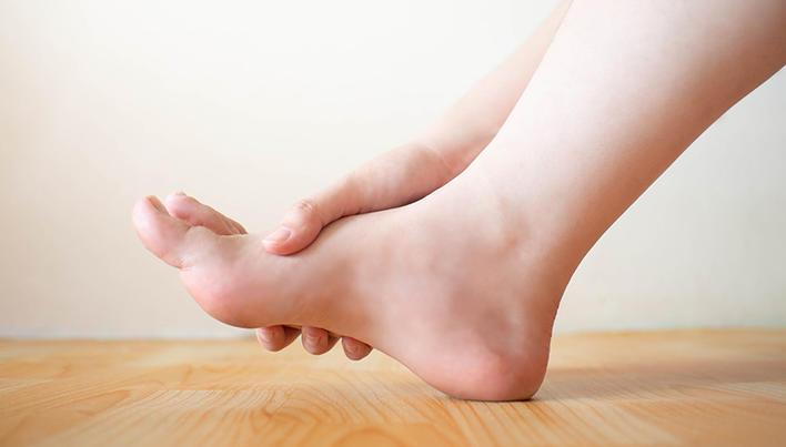 inflamația articulațiilor piciorului provoacă invazii helmintice și dureri articulare