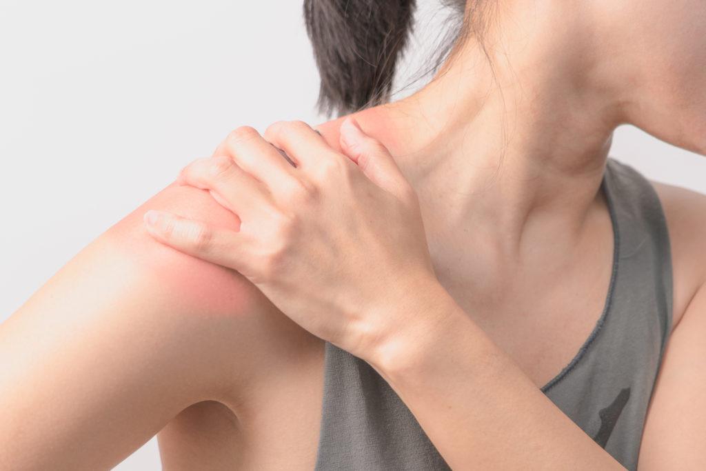 articulațiile sări după săritură cu sfoara de ce articulațiile umărului se crispa și doare