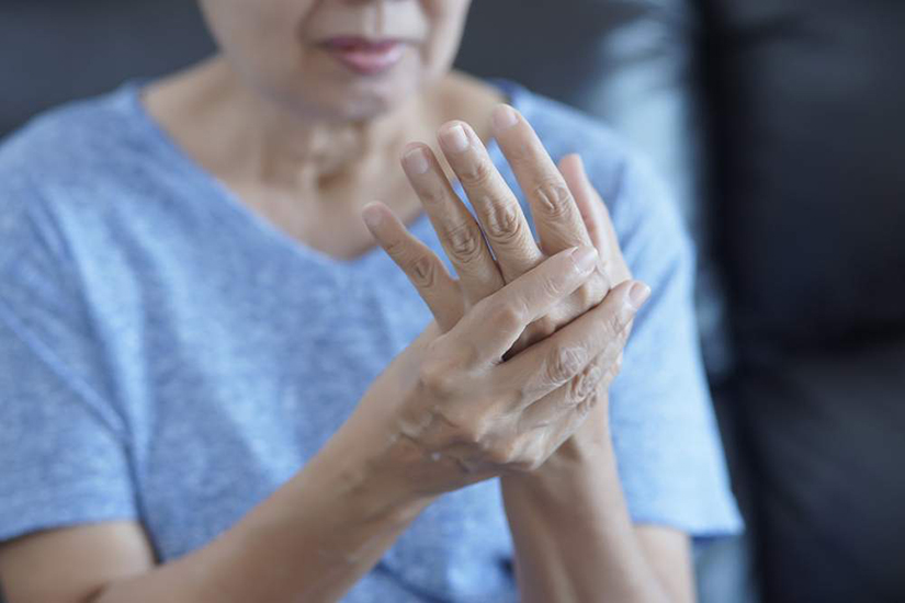 semnul artritei degetelor