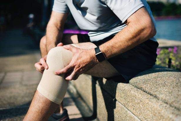 durere în articulațiile genunchiului în timpul somnului dureri de cot amorțeală cu degetul