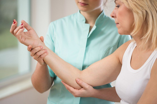 dureri la încheietura mâinii în timpul efortului exerciții fizice pentru durere în articulațiile picioarelor