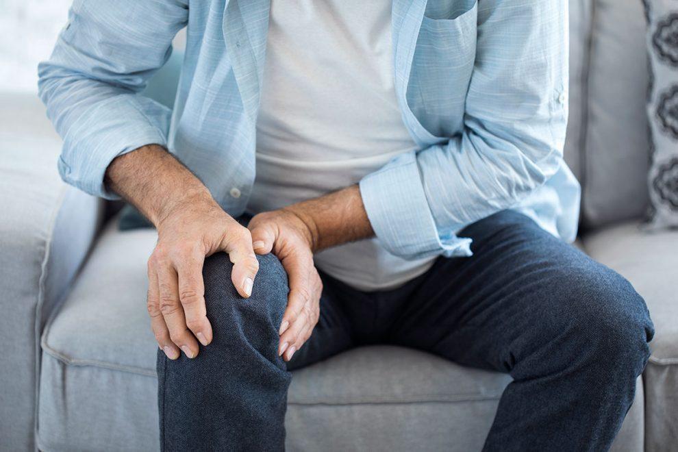 genunchiul purtat decât pentru a trata dacă picioarele rănesc articulațiile picioarelor ce trebuie făcut