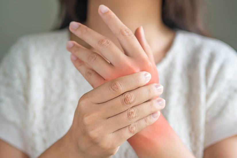 artrite reumatoide mâini se odihnește articulația după repaus