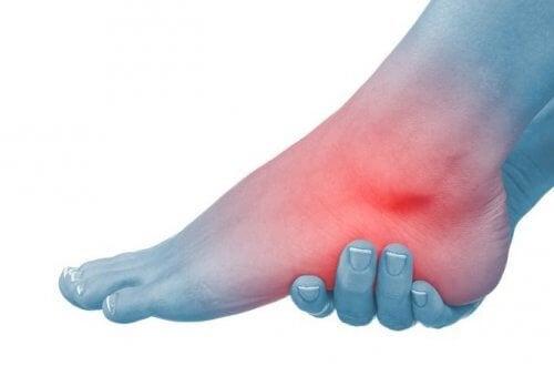 artroza deformantă a articulației gleznei stângi