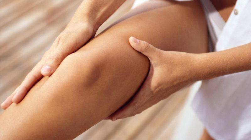 dureri articulare și musculare la piciorul drept strănut durerea în articulații
