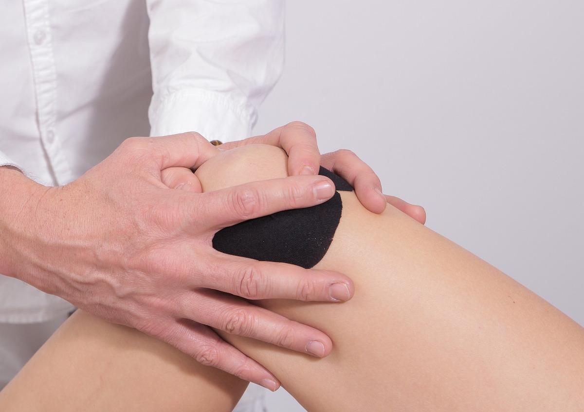 înțepă articulația genunchiului ce trebuie făcut frecarea tratamentului articular